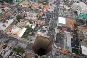 guatemala sinkhole 2